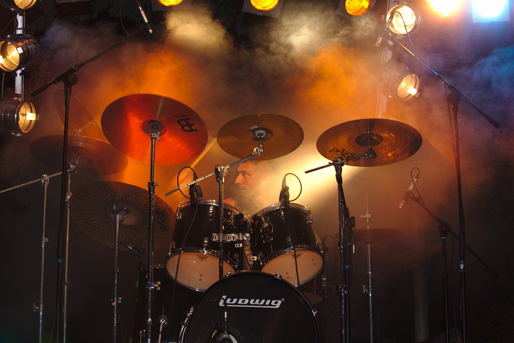 The orange King of Drummers